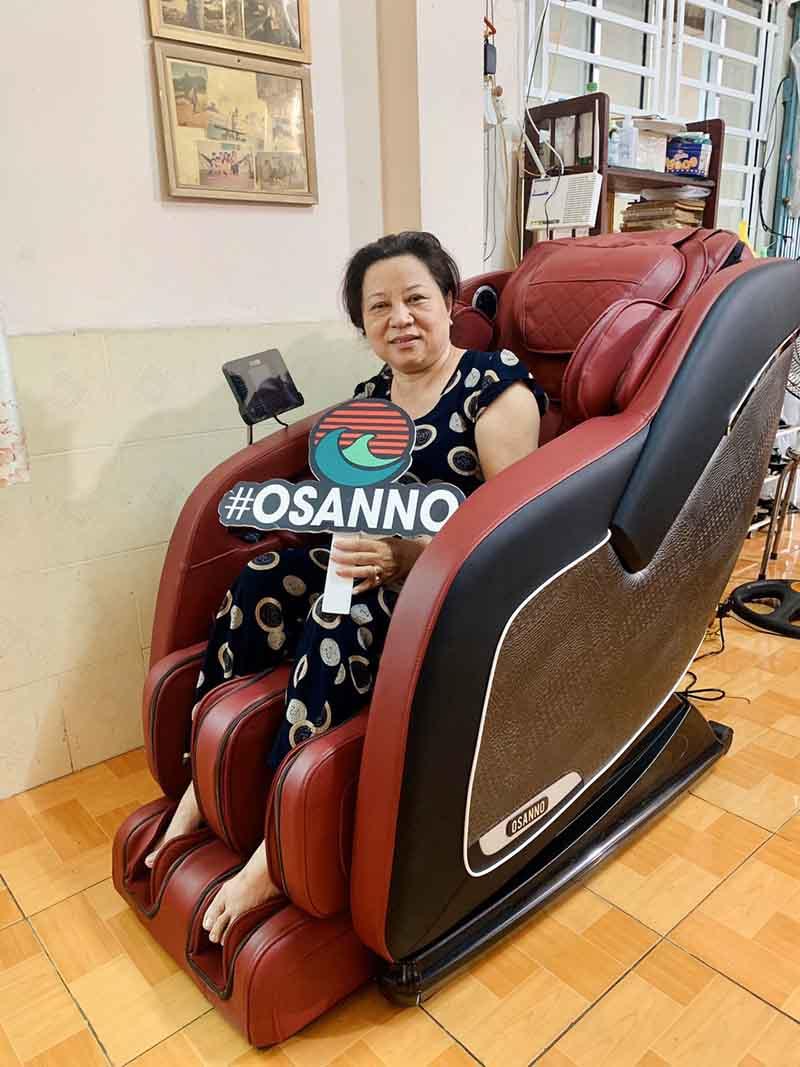 Dùng ghế massage giúp giảm đau lưng hiệu quả