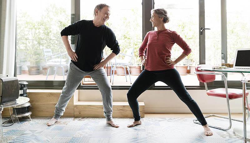 Bài tập thể dục người cao tuổi giúp giảm các triệu chứng đau lưng hiệu quả.