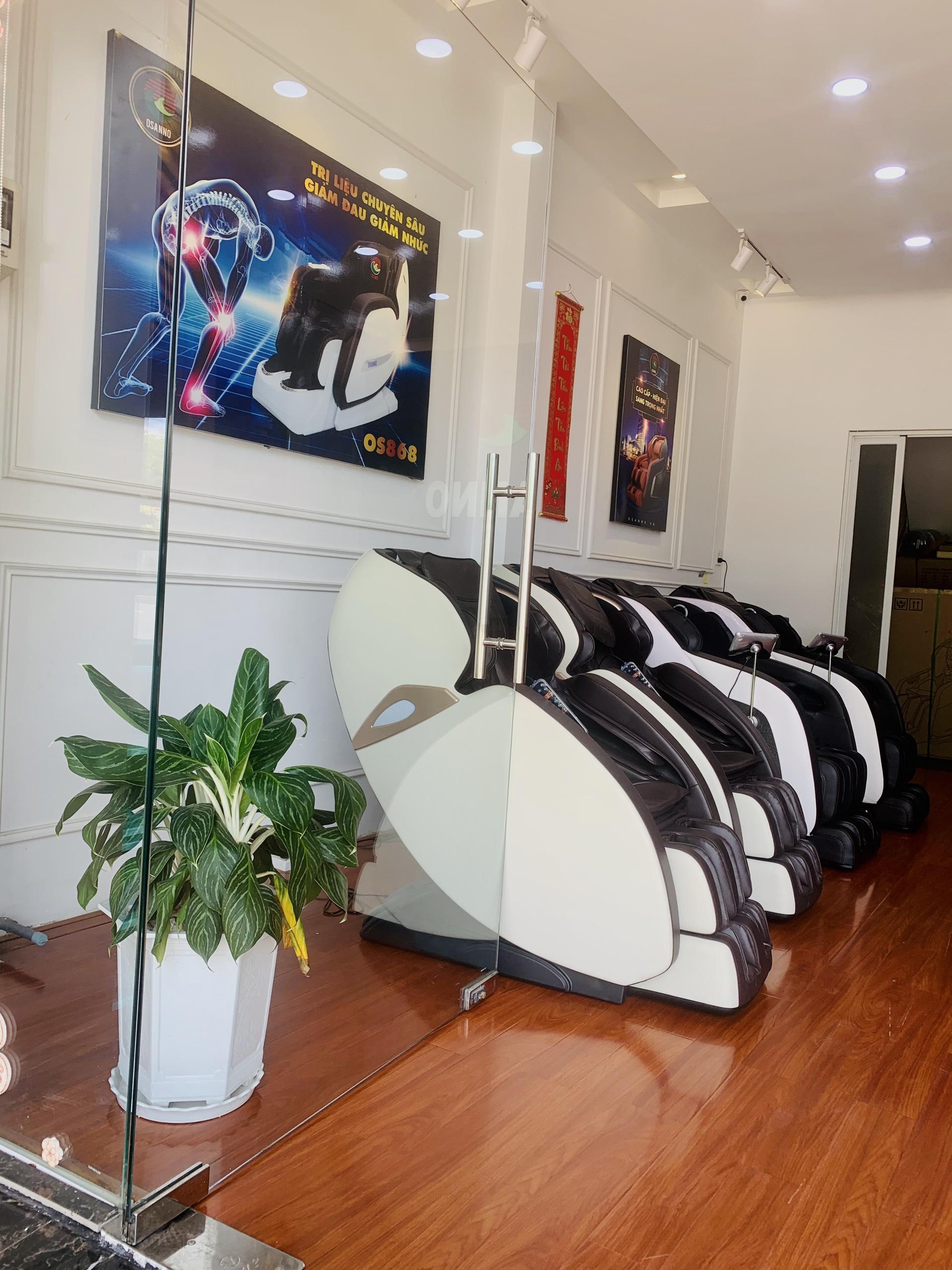 Ghế massage OSANNO được trưng bày tại showroom Cần Thơ
