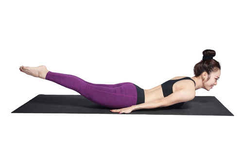 Động tác yoga châu chấu