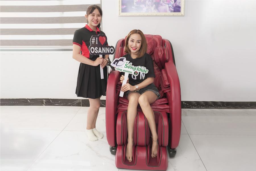 Diễn viên Ốc Thanh Vân tin tưởng sử dụng ghế massage Osanno