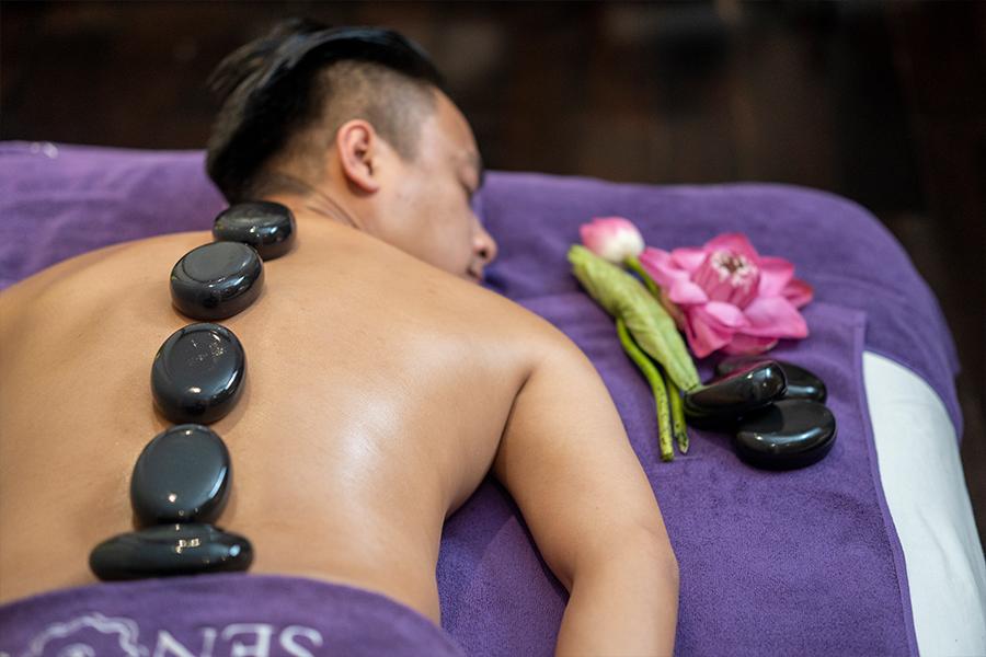 Massage đá nóng là phương pháp