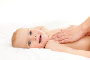Massage cho trẻ sơ sinh