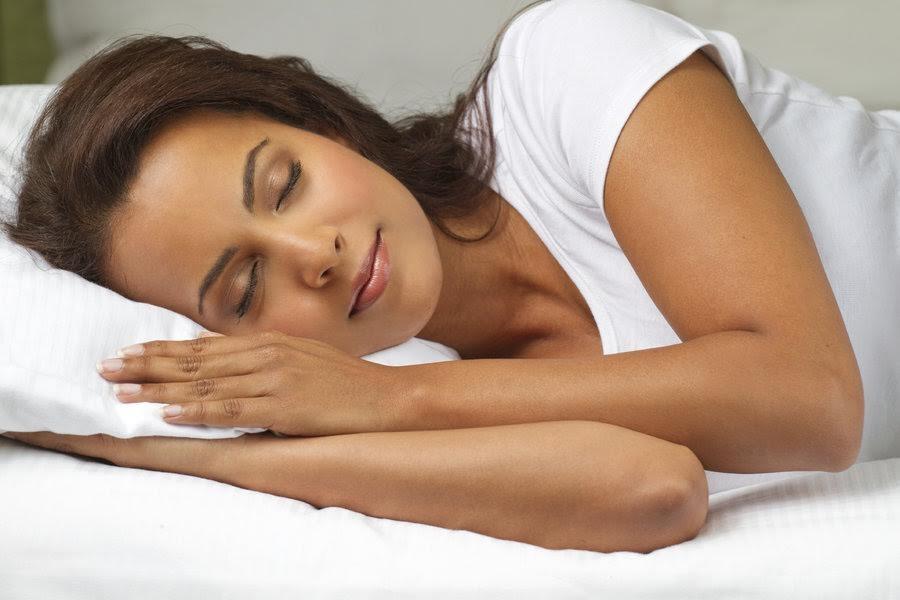 massage đá nóng giúp cho giấc ngủ ngon hơn