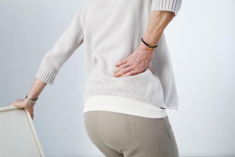Đau thắt hông là một triệu chứng của thoát vị đĩa đệm